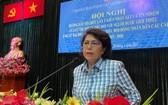 市越南祖國陣線委員會主席蘇氏碧珠作會議結論。(圖源:梅花)