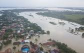 印度尼西亞西爪哇省Bekasi,從航拍照片可以看到被洪水侵襲的住宅區。(圖源:Antara Foto)