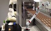 中小企應用機械臂技術集中處理勞工密集式的工序,人力可留作監管品質,有助提升生產力。