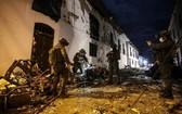 警察在哥倫比亞科林托市的爆炸現場調查。(圖源:互聯網)