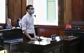 被告人楊晉厚在法庭上回答審判員問案。(圖源:越通社)