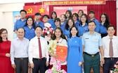 富潤郡韓詮高中學校學生阮玉祥獲加入黨行列。