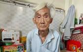 蘇勝洪老大伯每天受病痛折磨。