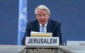 聯合國中東問題特使托爾‧文內斯蘭通過視頻向安理會通報了中東局勢,包括巴勒斯坦問題。(圖源:聯合國)