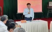 衛生部長阮清隆在會議上發表指導意見。(圖源:T. Lũy)