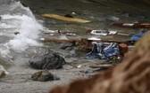移民船已成為碎片。(圖源:AP)