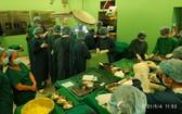器官捐贈移植團隊在手術室中執行器官捐贈摘取手術。(圖源:二嘉)
