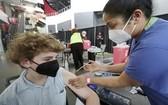 美批准12歲至15歲青少年接種輝瑞新冠疫苗。(圖源:AP)