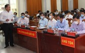 國會代表候選人黎清風向選民介紹其行動計劃。