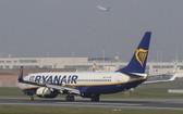 圖為瑞安航空的一架客機。(圖源:新華社)