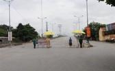 圖為路經北寧省1號國道上的一個檢疫點。(圖源:泰山)