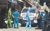 職能力量封鎖患者住所巷道以進行採檢。