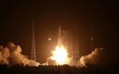 中國天舟二號貨運飛船29日晚發射任務取得圓滿成功。(圖源:新華社)