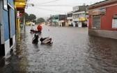 危地馬拉全國多地遭遇了持續降雨,長期降雨在部分地區引發了災害事故。(圖源:CONRED)