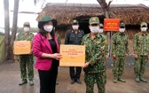 國家副主席武氏映春探望西南邊境區防疫力量