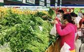 各超市的貨源充裕。(圖源:黃雪)