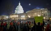 圖為 2018年1月21日,DACA計劃的支持者在美國國會外抗議。(圖源:互聯網)