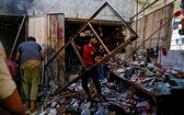 伊拉克首都巴格達東郊的市場於當地時間19日,遭遇自殺式炸彈襲擊,至少35人死亡、60多人受傷,伊斯蘭國(IS)承認犯案。(圖源:路透社)