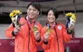 日本柔道阿部兄妹同日摘金牌