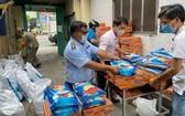 穗城會館捐助穗華里隔離區居民。