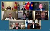 """美國和平研究所8月3日以視頻形式舉行""""克服越南戰爭後果""""視頻研討會。(圖源:越通社)"""