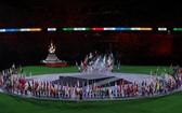 各代表團旗手在東京奧運會閉幕式上入場。(圖源:互聯網)