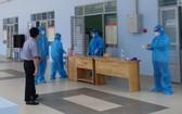 康復病例志願參加防疫工作。圖為古芝新冠肺炎醫院一瞥。(圖源:PV)