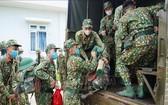 前往邊境執行任務的戰士們。(圖源:越通社)