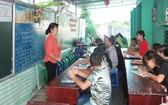 阮老師在給特殊班上課時一直笑得很燦爛。