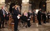 德國官方28日在西部北威州城市亞琛舉行儀式,悼念該國7月特大洪災中的180餘名遇難者。(圖源:互聯網)