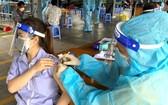 第七郡民眾獲接種新冠疫苗。