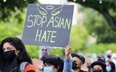 4月25日,人們在美國加利福尼亞州舊金山灣區城市聖何塞集會抗議針對亞裔的歧視行為和仇恨犯罪。(圖源:新華社)