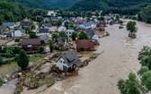 圖為 2021年7月15日,德國西部因蘇爾受到阿爾河侵蝕。(圖源:AP)