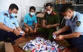 職能力量查獲來源不詳的新冠肺炎治療藥品。(圖源:市場管理局)