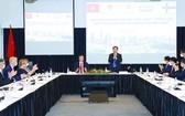 越南國會主席王廷惠與芬蘭企業座談會。