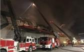 消防警察須調動多個力量、工具撲滅於2020年11月在協福工業區CJFood公司發生的火警。