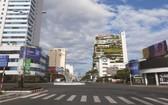 疫情期間的峴港市中心街道上清冷無人。(圖源:青松)