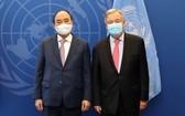 國家主席阮春福(左)與聯合國秘書長安東尼奧‧古特雷斯會面。(圖源:越通社)