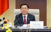 國會主席王廷惠在會議上發言。(圖源:越通社)