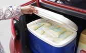 志願員採集母乳,力爭解決慈裕醫院母乳庫短缺的問題。