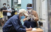 9月30日下午,第三郡第十二坊已及時向失業遇困勞工派發第三次紓困金。