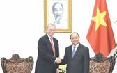 政府總理阮春福接見埃里克‧施密特先生。(圖片來源:政府報)