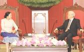 阮富仲總書記接見老撾國會主席巴妮‧雅陶都。(圖片來源:互聯網)