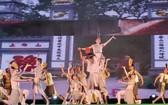 文朗公园舞台演出精彩的文艺表演节目。