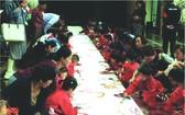 寶寶繪製百米畫卷