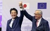 日本首相安倍晉三與歐盟委員會主席容克 ( 路透社)