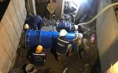 技術人員正維修本市輸水管道。