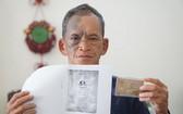 許松州因沒有戶口簿,故20年來無法辦理申請新簽發人民證。