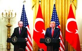 美國總統特朗普(右)與土耳其總統埃爾多安出席聯合記者會。
