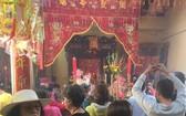 鵝貢市各華人公所的關聖帝君廟擠滿香客。